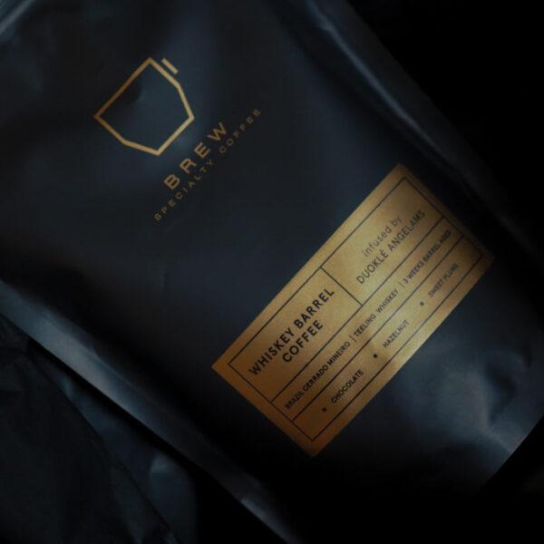 statinėje brandinta kava